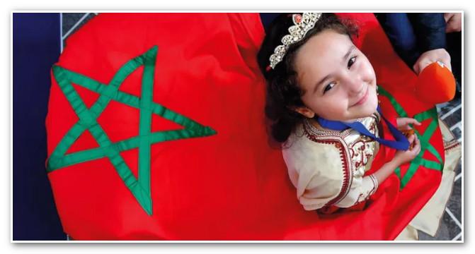 أمجون تحل بالمغرب وتهدي تتويجها للشعب المغربي