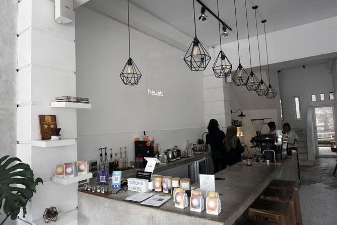 Mengunjungi Hayati Coffee Jogja kala akhir pekan