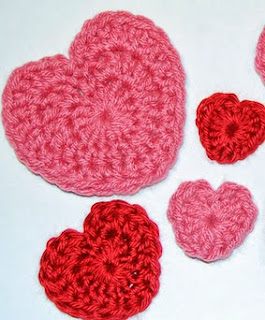 http://translate.googleusercontent.com/translate_c?depth=1&hl=es&rurl=translate.google.es&sl=en&tl=es&u=http://www.petalstopicots.com/2012/02/valentines-day-heart-crochet-patterns/&usg=ALkJrhiNpUyR9GVEt8i3NMbhx6ZFEzJxZg