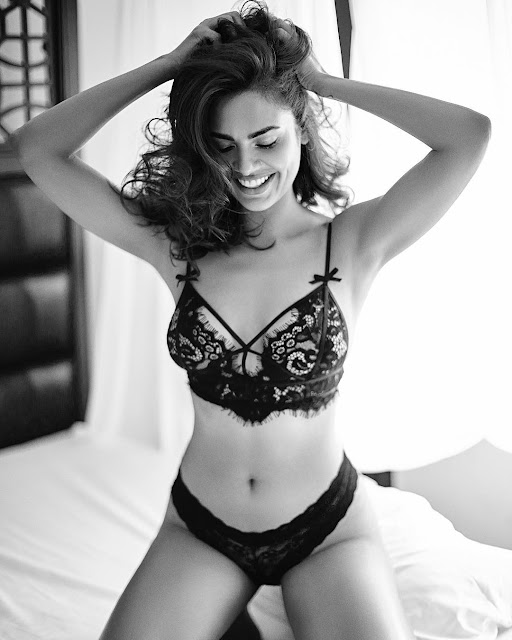 Esha Gupta Posing Topless Only In a Black Panty