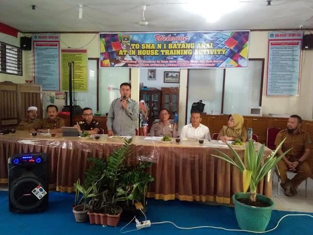 Tim Saber Pungli Padang Pariaman, Sosialisasikan Pencegahan Pungutan Liar di SMAN 1 Batang Anai