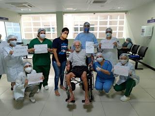 Idoso com 106 anos é curado do coronavírus e tem alta, na PB