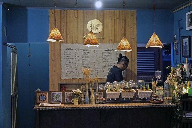 Meja barista di Kedai Kopi Tjemara Jogja