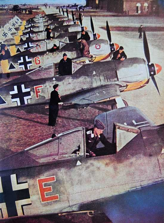 Focke-Wulf Fw-190 Planes in color worldwartwo.filminspector.com