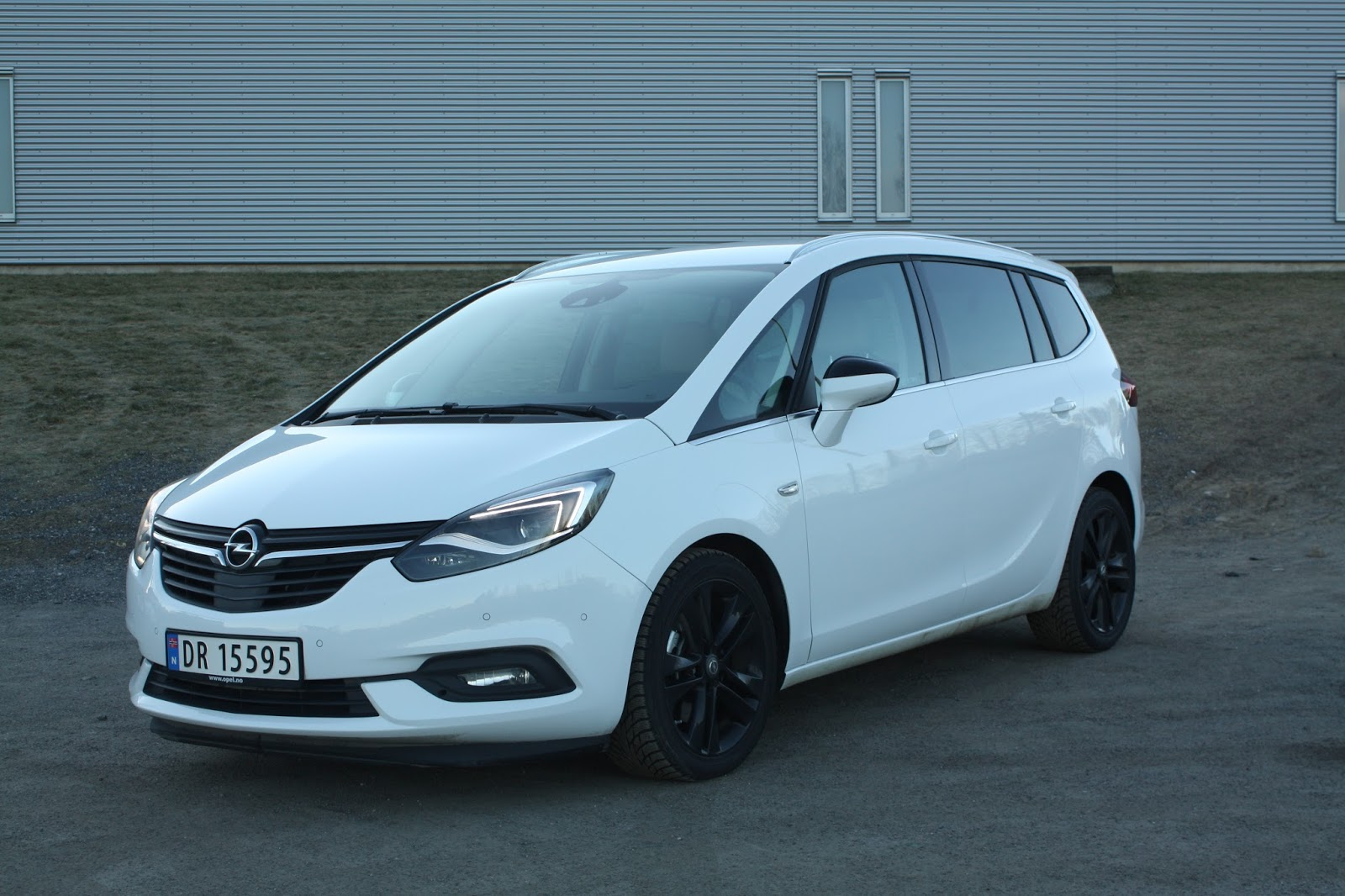 test opel zafira 2 0 cdti premium aut bil og motorbloggen. Black Bedroom Furniture Sets. Home Design Ideas