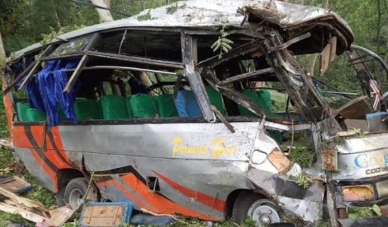 Hendak Berwisata, Bus Pariwisata Angkut Pelajar Terjun ke Jurang di Bakauheni