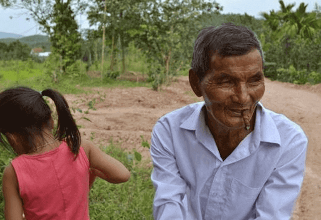 According to science, it is impossible for the human body to endure more than a few days deprived of sleep, but the Vietnamese peasant Hai Ngoc, 78, claims not to have slept a single minute for 45 years. The unusual case of Hai Ngoc, the man who claims to have been 45 years without sleep. The 78-year-old Vietnamese peasant farmer claims not to have slept a minute since 1975.