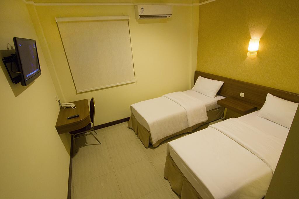 Imperial Hotel Penginapan Yang Tenang Dan Nyaman di Gorontalo.