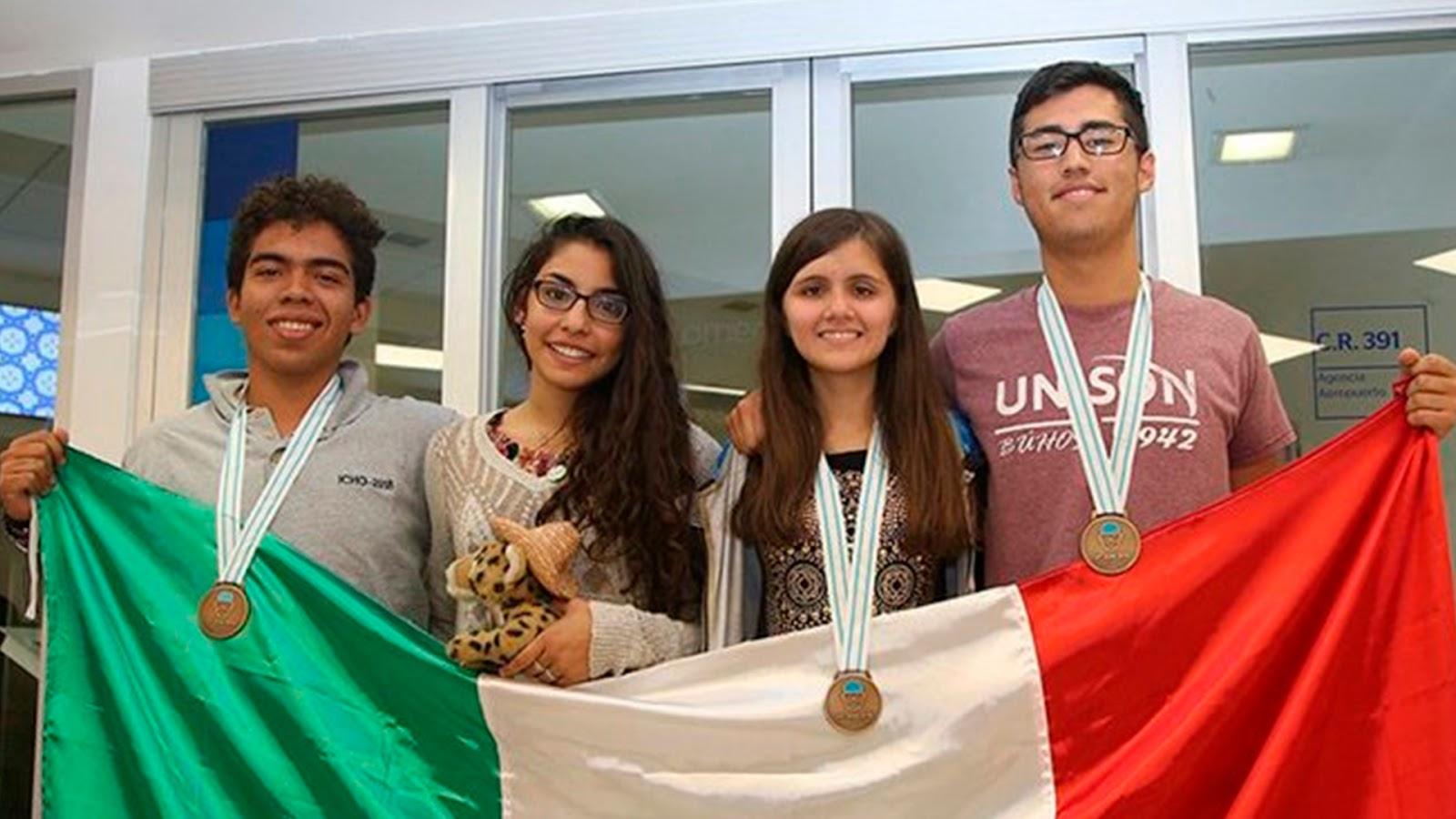 Estudiantes mexicanos triunfan en Olimpiada Internacional de Química.