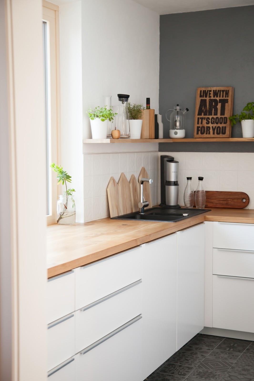 Moderne Küche Ohne Hängeschränke   Fliesenspiegel In Der Küche Das ...
