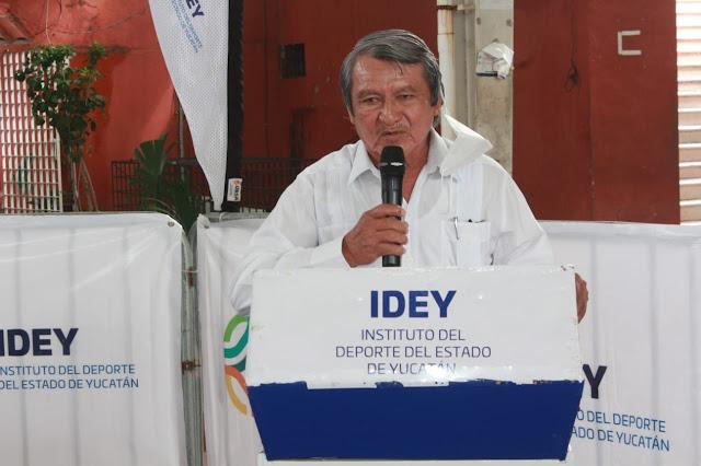organizador y promotor, Víctor Maravé Canché