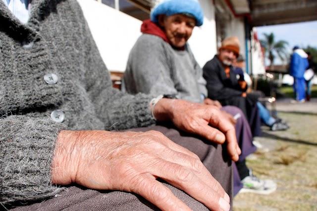 Política para idosos inclui moradia e apoio a instituições e municípios