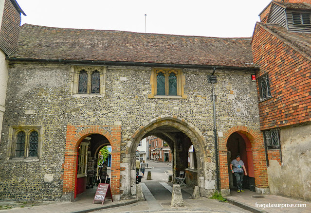 Kingsgate, portão medieval nas muralhas de Winchester, Inglaterra