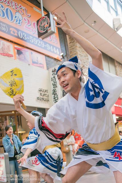 天翔連、高円寺パル商店街での流し踊り、男踊りの写真 5