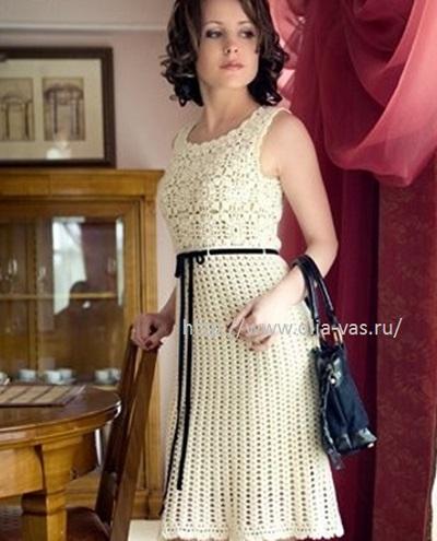 Красивое платье из мотивов.