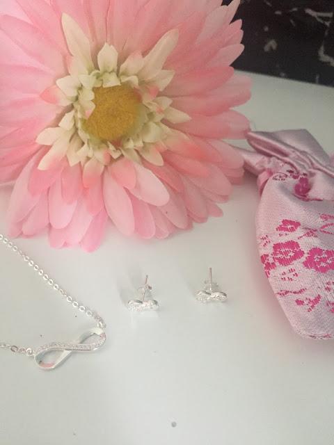 Kaya Jewellery Infinity Forever set