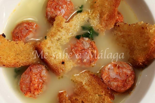 receta tradicional de sopitas de chorizo