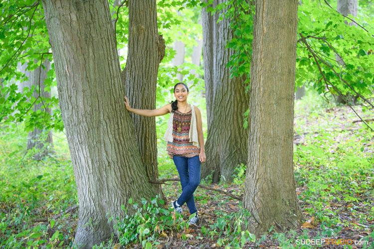 Saline High School Girls Senior Portrait in Nature Ideas SudeepStudio.com Ann Arbor Senior Pictures Photographer