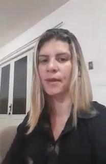 Em Sapé uma mãe de aluno é chamada de Débil mental por servidor da Secretaria de Ação Social denuncia Teresa Carneiro nas redes sociais.