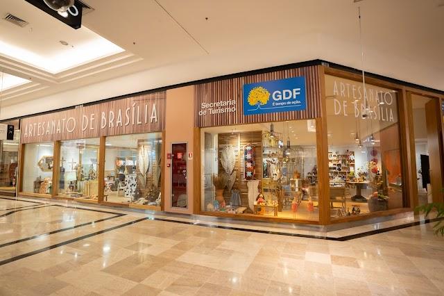 Dirigentes de Turismo de todo o país visitam Loja de Artesanato a convite da Secretária do DF