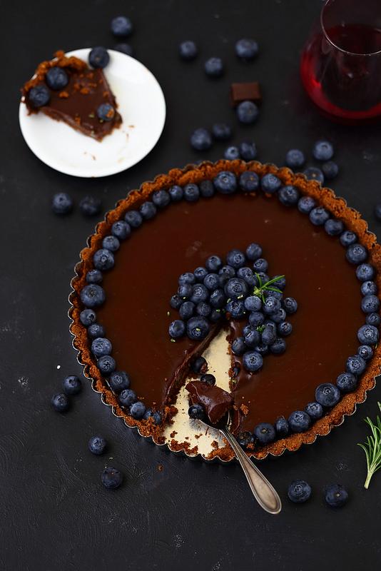 Tarte au chocolat et myrtilles, sans cuisson