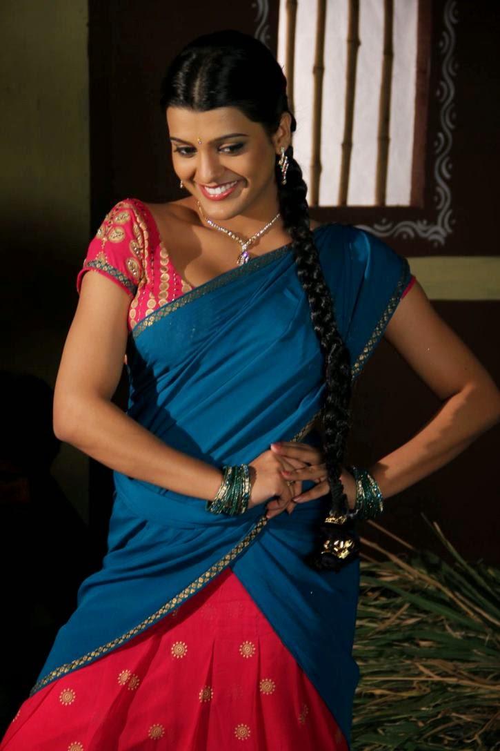 Photofunmasti Actresses Hot Desi Look In Saree Still-7869