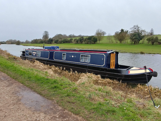 A narrowboat on the River Lea Navigation   Image by Hertfordshire Walker released via Creative Commons BY-NC-SA 4.0