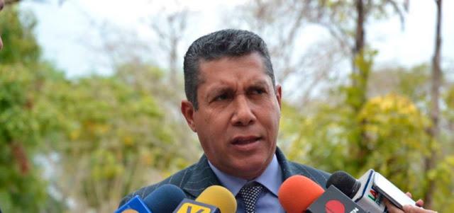 Falcón llama a Maduro y Guaidó a reunirse ya para concretar ayuda extranjera y plan de emergencia