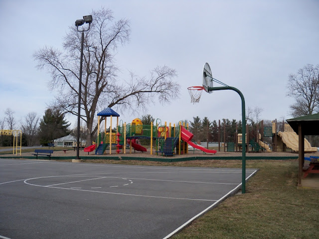 New deal of the day new deal basketball for Built in basketball court