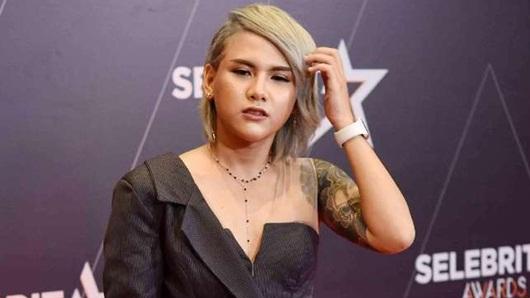 Berbalas Emoji Love dengan Seorang DJ, Evelyn Nada Anjani Sudah Move On?