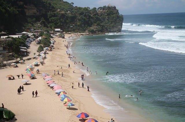 Pantai Pok Tunggal, Rumah dari Pohon Duras yang 'Kesepian'
