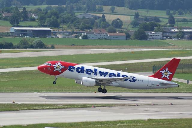 Η αεροπορική εταιρεία Edelweiss Air θυγατρική της Swiss και το 2021 θα πραγματοποιεί πτήσεις από τη Ζυρίχη προς την Κέρκυρα και τη Ζάκυνθο, ενώ για πρώτη φορά θα υπάρχει σύνδεση και με το αεροδρόμιο του Ακτίου.