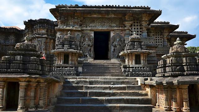 भारत का एक ऐसा अनोखा मंदिर, जहां देखने को मिलता है भारतीय कला का खूबसूरत नमूना