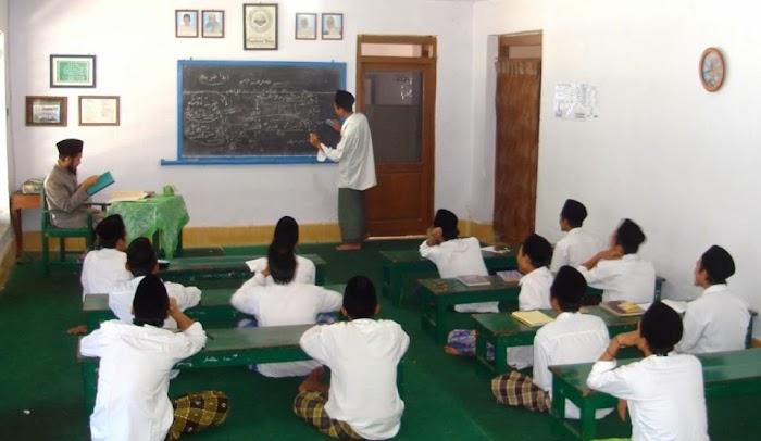 Di Sukabumi untuk Lanjut ke SMP Harus Punya Ijazah ini