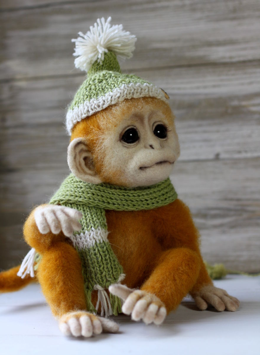13-Monkey-Tatiana-Barakova-Татьяна-Баракова-Plush-little-Animals-made-of-Wool-www-designstack-co