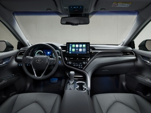 toyota-camry-hybrid-2020-interior