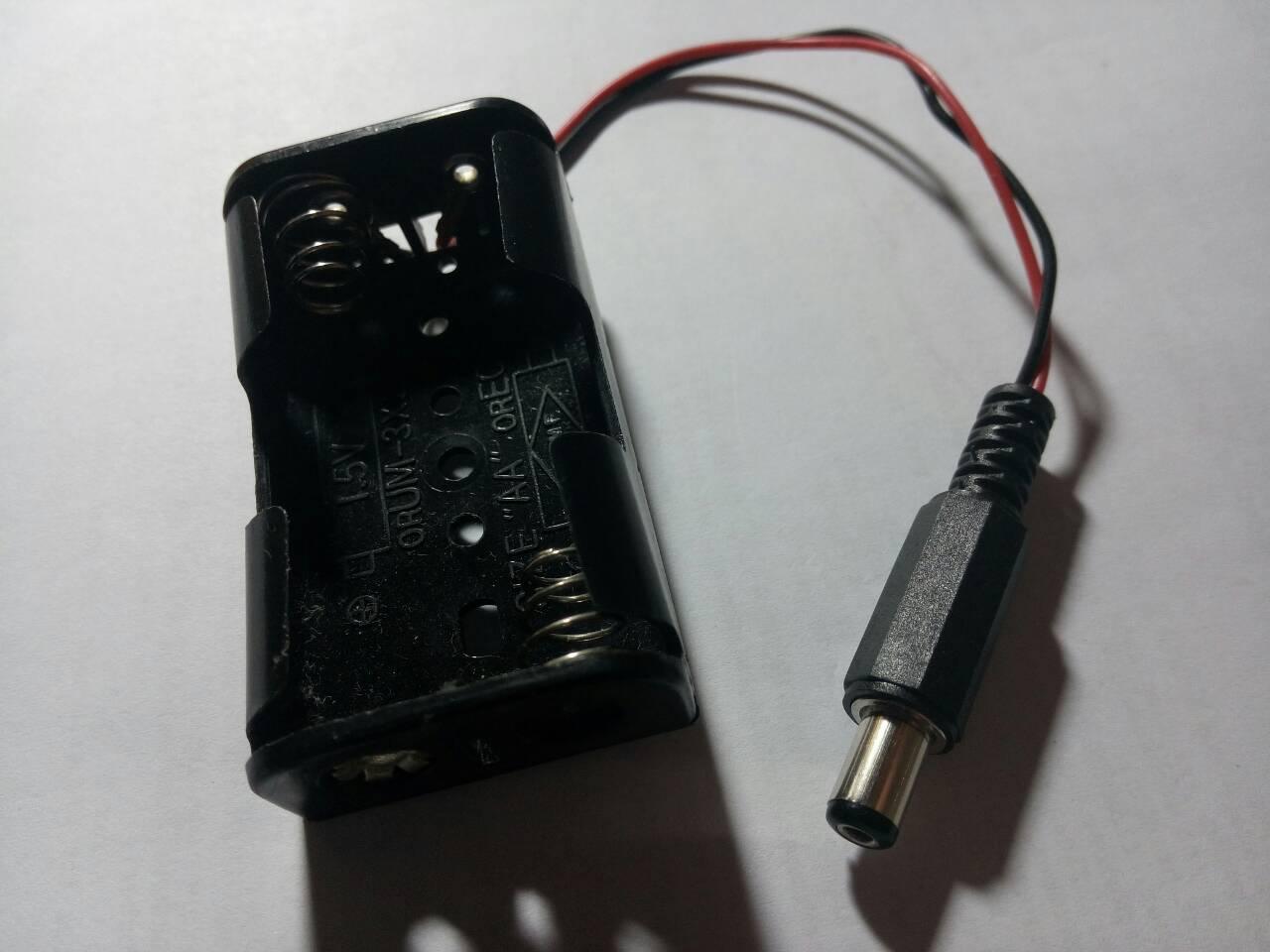 芭蕉葉上聽雨聲: 自製取代9V方形電池的Arduino電源