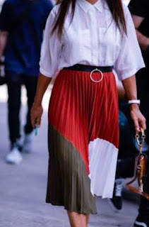 pleated skirt white