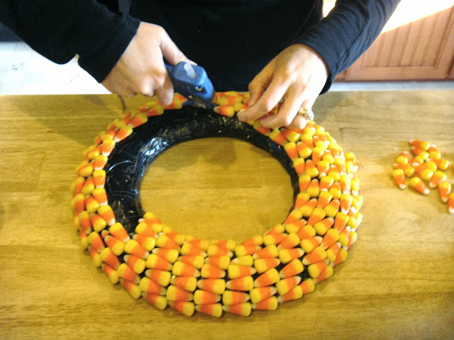 diy candy corn wreath for Halloween and Fall