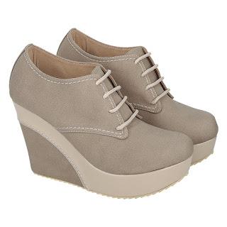 Sepatu Wedges Catenzo KM 044