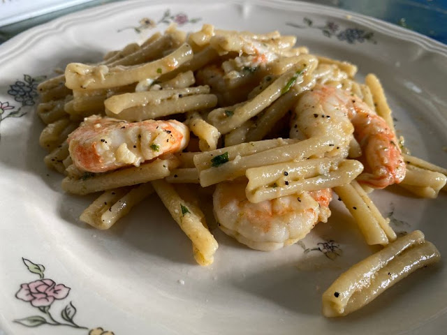 How To Make Aglio Olio Pasta with Shrimps
