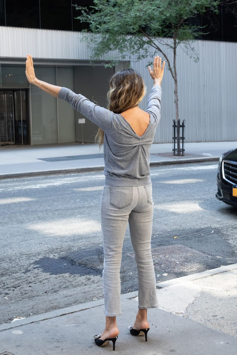 Sarah Jessica Parker Clicks  at Her Shoe Store in New York 25 Aug -2020