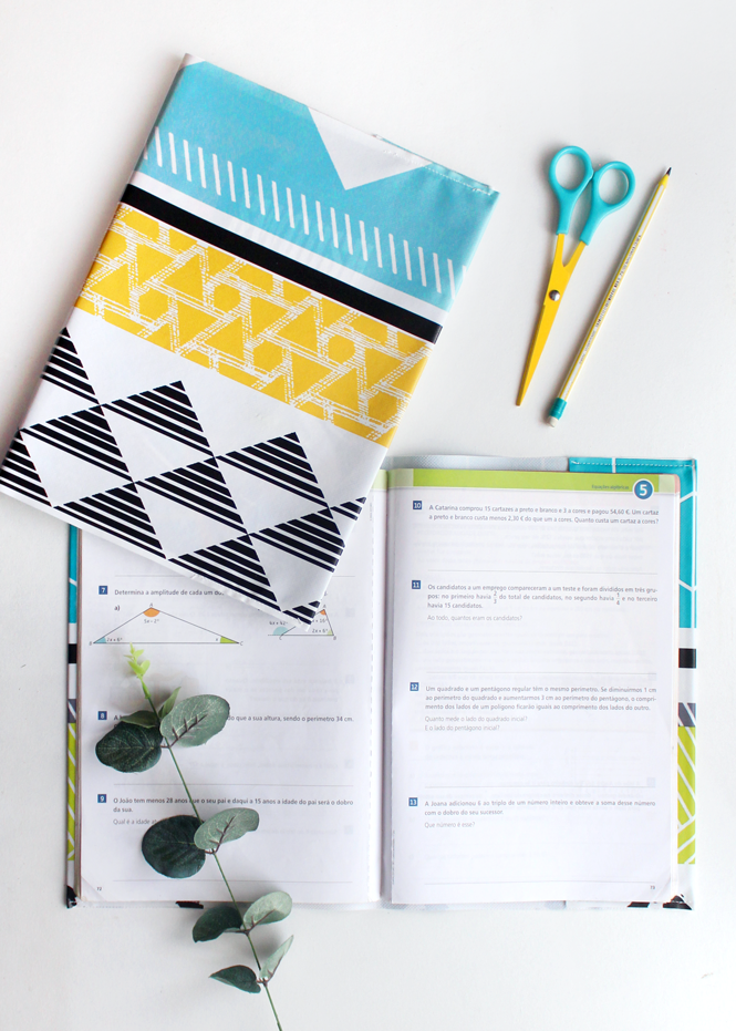 Sewing tutorial: Easy textbook and notebook covers