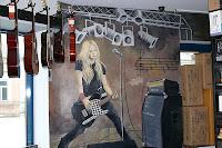 Artystyczne malowanie obrazu na ścianie, Warszawa