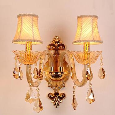 Vai trò của đèn tường trang trí trong không gian phòng khách