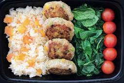 Papaya Rice with Turkey Patties and Baby Spinach