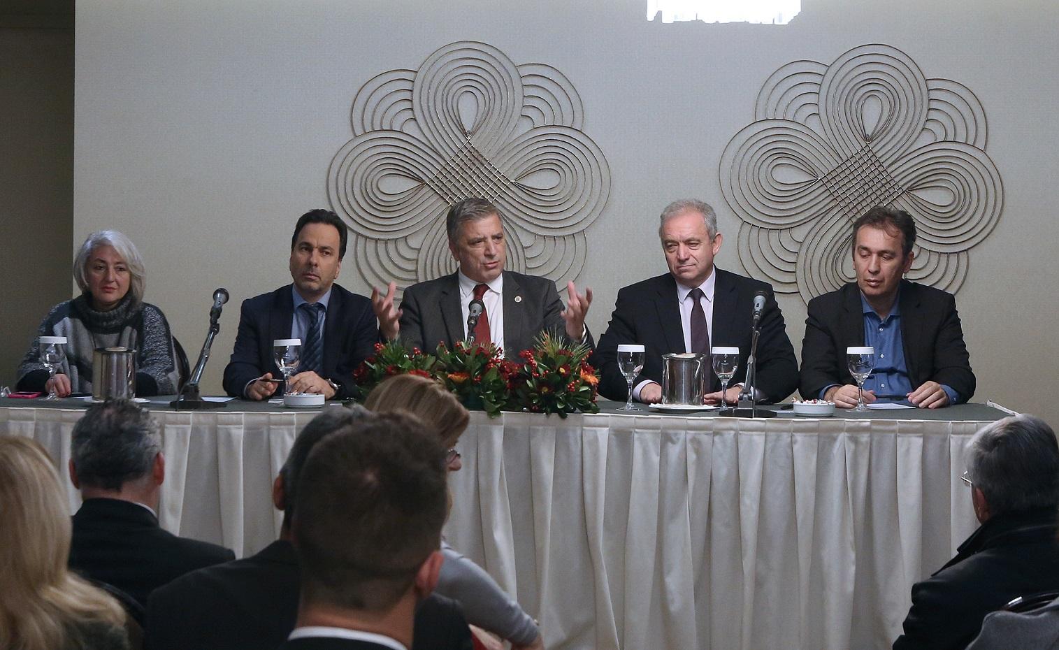 770ab1f8fb Οι δράσεις και οι ενέργειες για την υλοποίηση του Οράματος να γίνει η Αθήνα  Πρωτεύουσα Ξανά προσδιορίστηκαν κατά τη διάρκεια της συνάντησης που είχε ο  ...