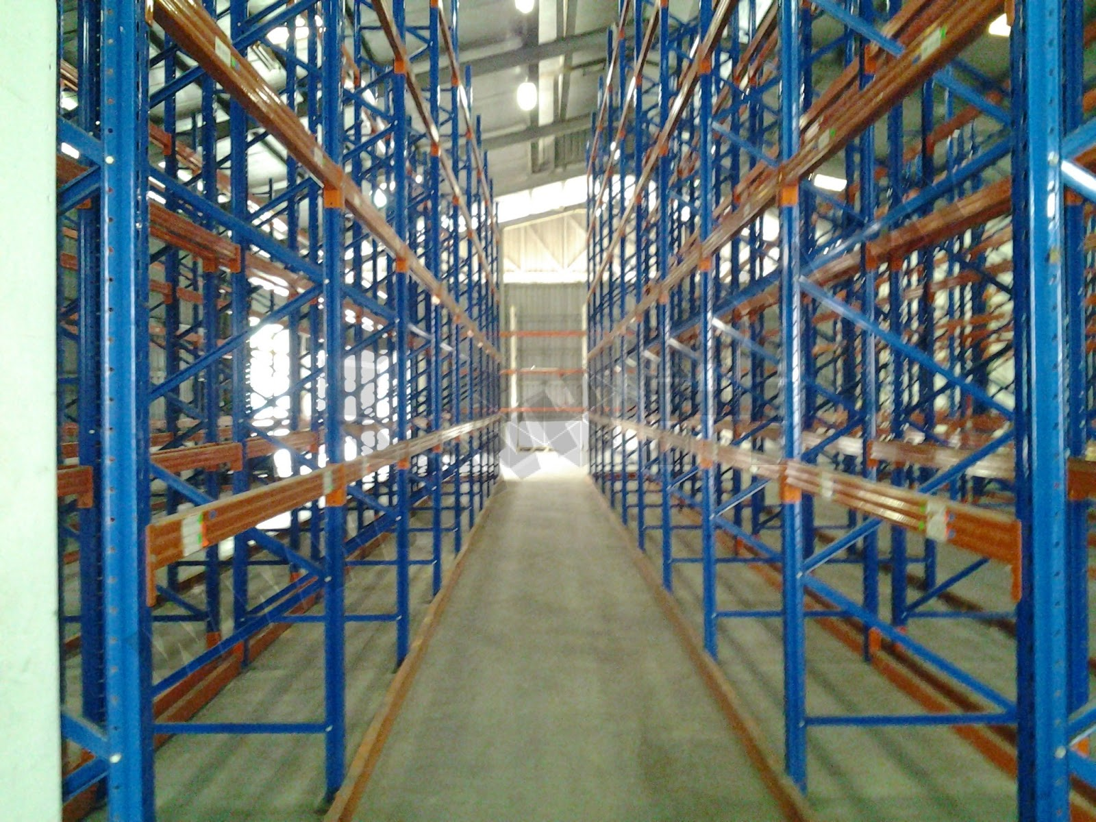 warehousing and storage system Invest in a storage system that meets the needs of your facility apriso highlights some key ways to use technology to run a more productive warehouse.