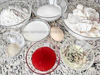 ingrediente reteta savarine cu frisca