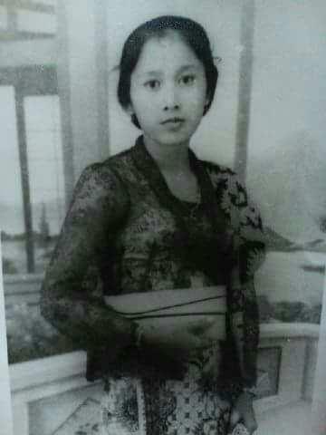 kebaya dan perempuan indonesia